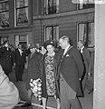 Staatsbezoek Koningin en Koning van Nepal aan Amsterdam, koningin Juliana en Bur, Bestanddeelnr 920-2630.jpg