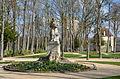 Statue de Daubenton dans le parc Buffon a Montbard DSC 0080.JPG