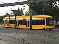 Straßenbahnwagen 2538 Dresden.jpg