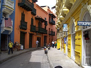 The Amazing Race 28 - The third leg's Roadblock in Colombia focused on exploring the streets of Cartagena's historical district.
