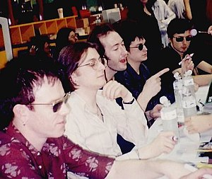 Suede (band) - Suede in Thailand, 1997. Left from right: Simon Gilbert, Richard Oakes, Mat Osman, Neil Codling, Brett Anderson.
