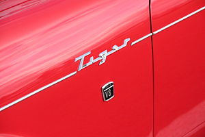 Sunbeam Tiger - The chrome strips either side of the Tiger logo show this to be a Series I car