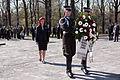 Svinīgā vainagu nolikšanas ceremonija Rīgas Brāļu kapos (5699066390).jpg