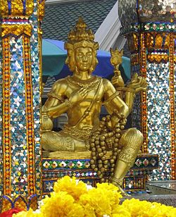 The four-faced Brahma (Phra Phrom) statue