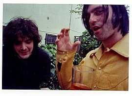 Peter Hayes (left) and Anton Newcombe (right)