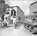 The British Army in Italy 1944 NA16442.jpg