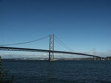 The Forth Road Bridge (before all the trouble...) - panoramio.jpg