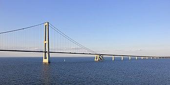 Le pont Est de la liaison du Grand Belt (Danemark). (définition réelle 5661×2835)