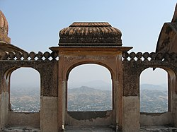 The abondened khetri fort, rajasthan.jpg
