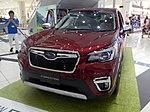 The frontview of Subaru FORESTER Advance (5AA-SKE) whose hood is close.jpg