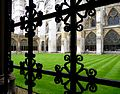 The inner garden of the Westminster Abbey.jpg