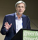 Thom Hartmann at 2010 Chicago Green Fest (cropped).jpg