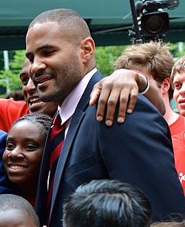 Tony Sanneh (13856029753) (cropped).jpg