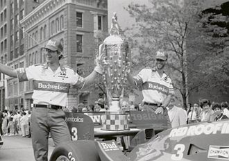 Borg-Warner Trophy - The Borg-Warner Trophy in 1986. The first base that was used from 1986 to 2003 is visible.