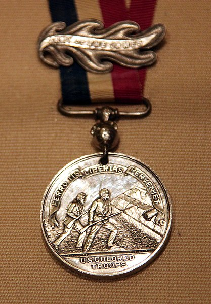 File:US Colored Troops medal - 1865 - Smithsonian Museum of American History - 2012-05-15.jpg