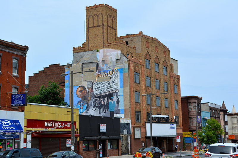 File:Uptown Theater, Broad St, Philly 2.JPG