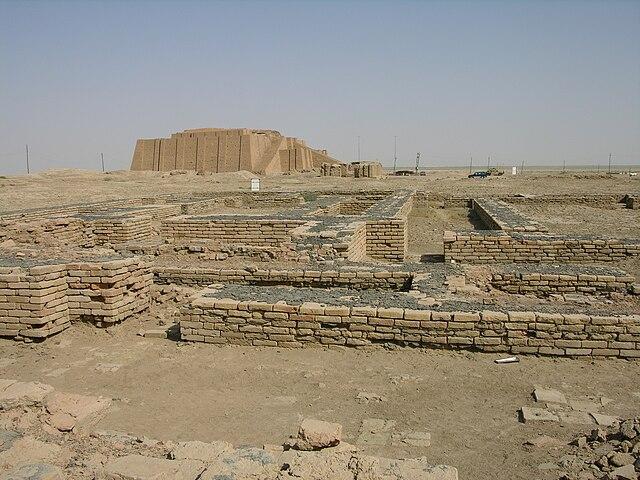 http://upload.wikimedia.org/wikipedia/commons/thumb/f/f7/Ur-Nassiriyah.jpg/640px-Ur-Nassiriyah.jpg