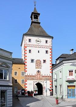 Vöcklabruck - unterer Stadtturm.JPG
