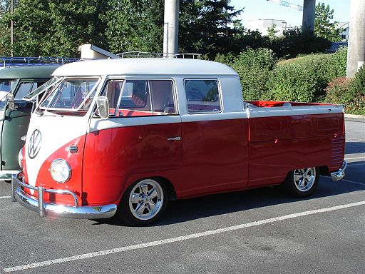 VW Type 2 Doka red and white