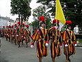 Vatikanoko guardia suitzarra, Lurdako Gure Amaren Santutegian.jpg