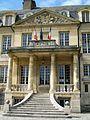 Viarmes, entrée principale du château.jpg