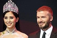 Brooklyn Beckham dating historia