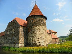 Švihov Castle - Image: Vodní Hrad Švihov Water Castle Svihov panoramio (2)
