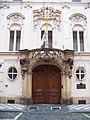 Voršilská 12, apoštolská nunciatura, vchod.jpg