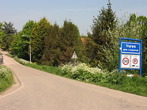 Vuren - Entering the village