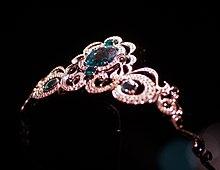 Tiara nome wikipedia for Tiara di diamanti