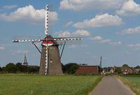 Waldfeucht, die Windmühle Dm8 met kerk foto8 2016-08-31 14.46.jpg