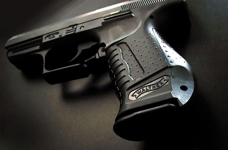 Die Carl Walther GmbH Sportwaffen 800px-Walther_P99_Flickr