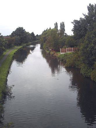 Maghull - The Leeds and Liverpool Canal at Maghull looking towards Leeds from Westway Bridge