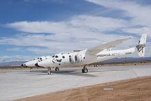 Un White Knight Two transportant un SpaceShipTwo à Spaceport America.