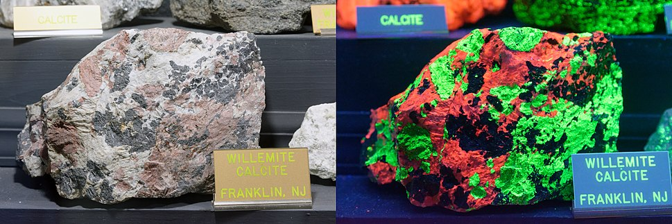 Willemite in natural and ultraviolet light