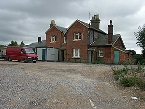 Wilton South railway station - Former station building in 2005