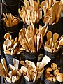 Wooden-cutlery-9306 - Hans Braxmeier.jpg