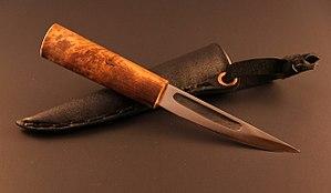 Yakutian knife - Image: Yakutian knife and sheath