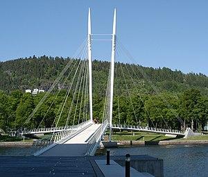 Ypsilon (bridge) - The Ypsilon Bridge seen from the Strømsø side