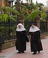 Zusters in Sevilla.JPG