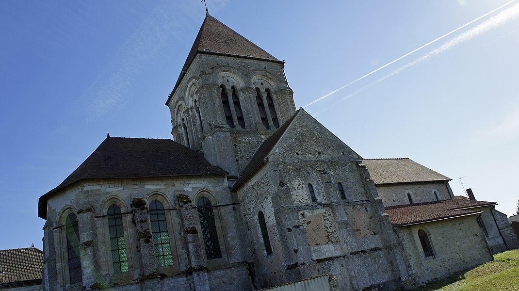 Vue de l'église de Thibie.