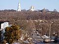 Вид з Монастирської на Хрестовоздвиженський монастир.jpg