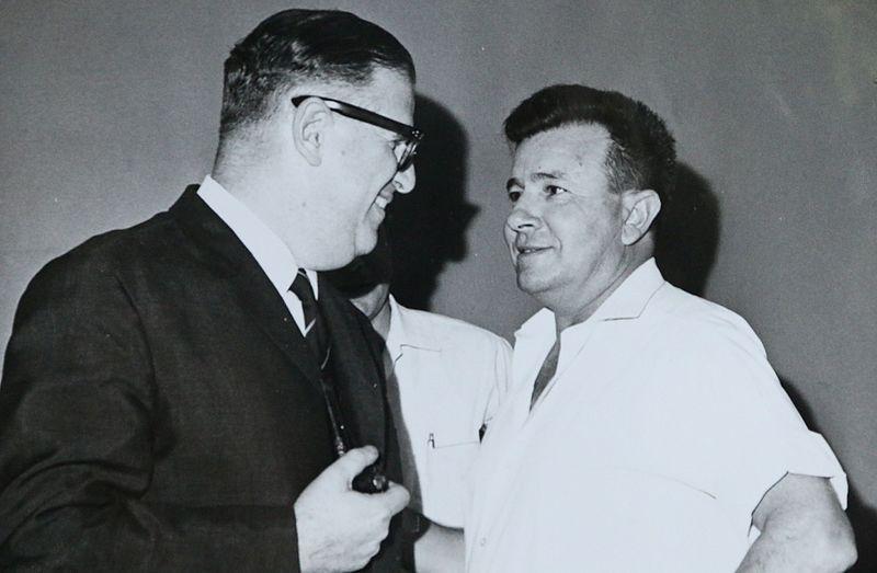 File:אבא אבן ויהודה אילן 1961.jpg