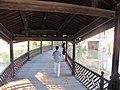 廊桥里的游人 - panoramio.jpg