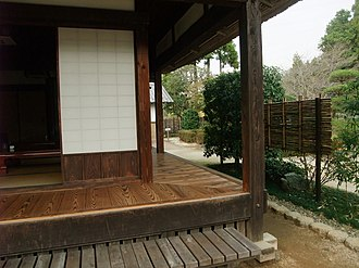 Engawa - Image: 風土記の丘の古い家、縁側 panoramio