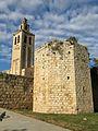 008 Monestir de Sant Cugat del Vallès, campanar i torre de la muralla est.JPG