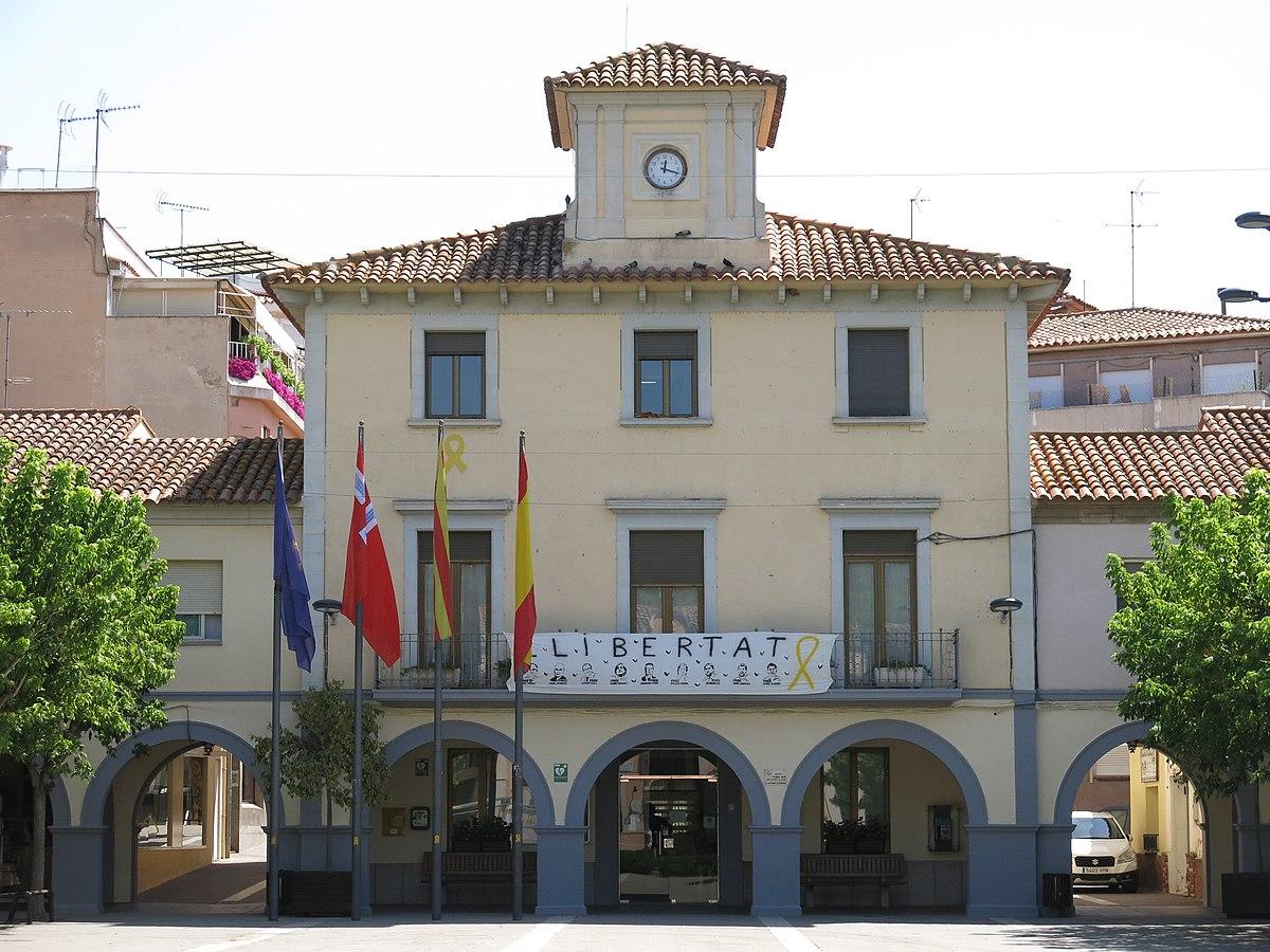 Archivo:061 Ajuntament de Sentmenat, pl. Vila 1.jpg - Wikipedia, la  enciclopedia libre