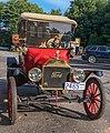 1915 Model T Ford Roadster (14955932098).jpg
