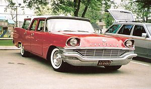 Chrysler Town & Country (1941–1988) - 1957 Chrysler Windsor Town and Country