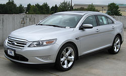 Last generation Ford Taurus.